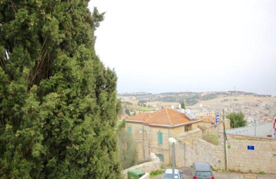 Aminadav St., Abu Tor